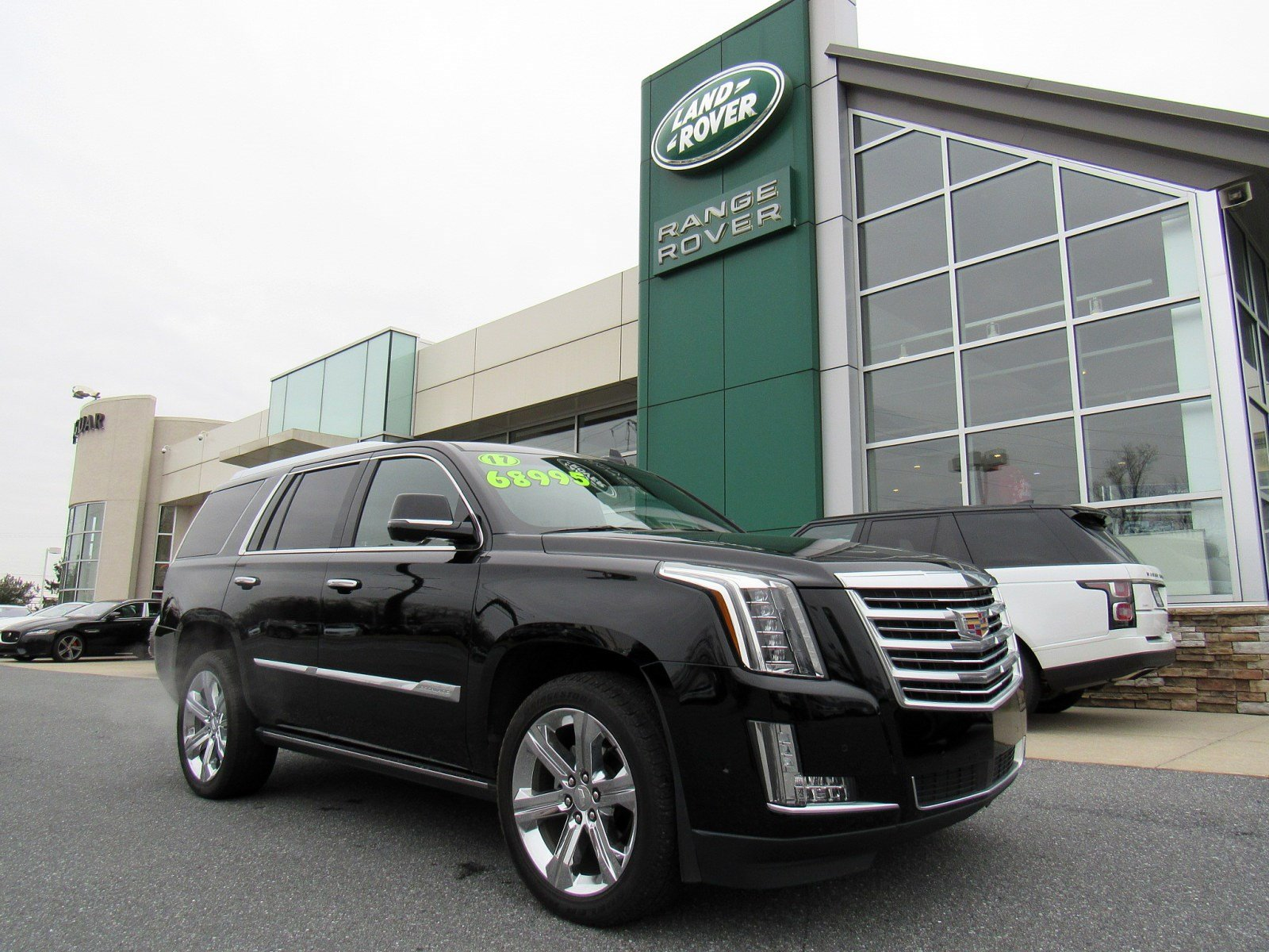 pre-owned 2017 cadillac escalade platinum sport utility in allentown