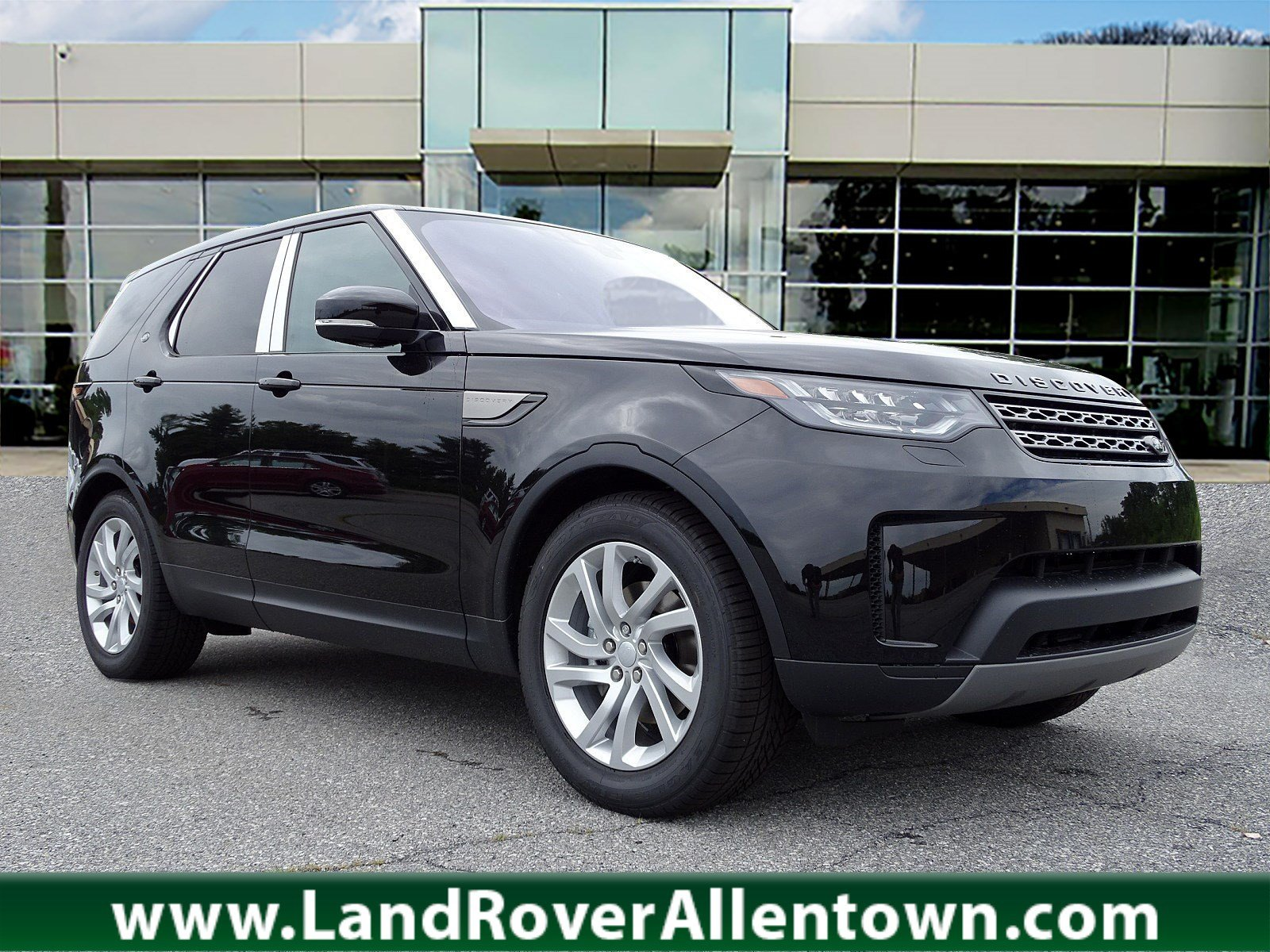 New 2019 Land Rover Discovery SE 4WD
